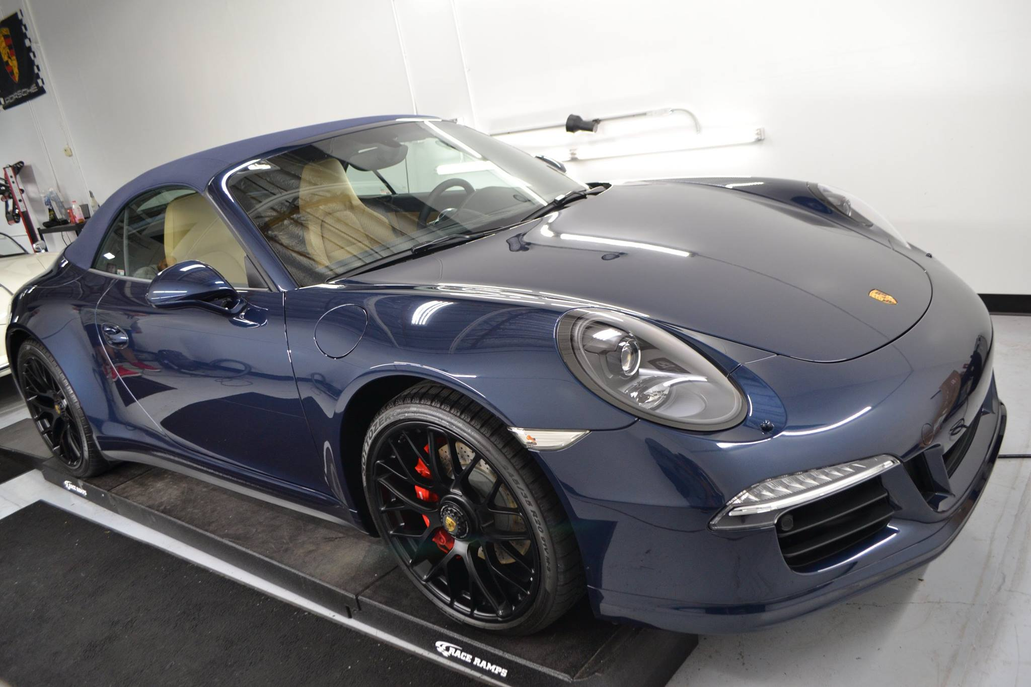 2016 porsche 991 gts attention 2 detail nw. Black Bedroom Furniture Sets. Home Design Ideas